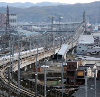 Image: Japanese bullet train