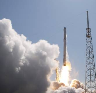 Image: SpaceX Falcon 9 rocket with Dragon lifts off