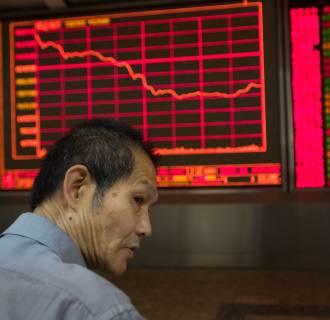 Image: Chart showing China's Shenzhen stock market index down
