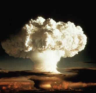 Image: The mushroom cloud of the first test of a hydrogen bomb