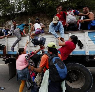 The Honduran immigrants caravan advances in Guatemala