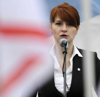 Image: Mariia Butina speaks to a crowd in Moscow in 2013