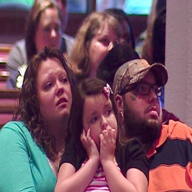 'We will rise': Memorial service honors Oklahoma tornado victims