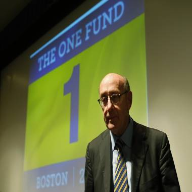Newtown residents vent frustration at meeting on Sandy Hook fund distribution