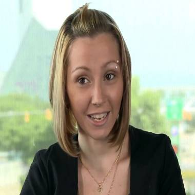 Cleveland kidnapping victim Amanda Berry surprises concert crowd