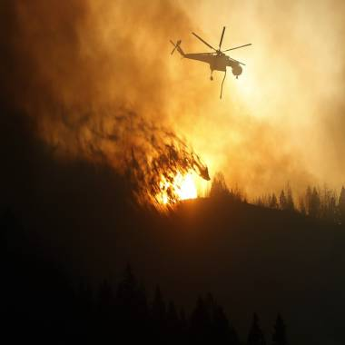 'Firefighters have been getting their butts kicked': Erratic Idaho wildfire threatens thousands of homes as it spreads