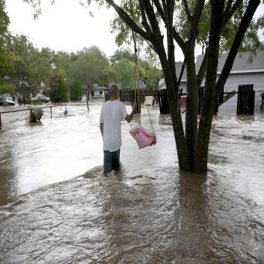 Deadly storm system hits wide swath of US as rain, floods lash Texas