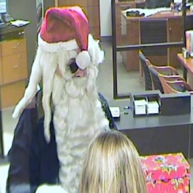 Man dressed as Santa Claus robs Florida bank