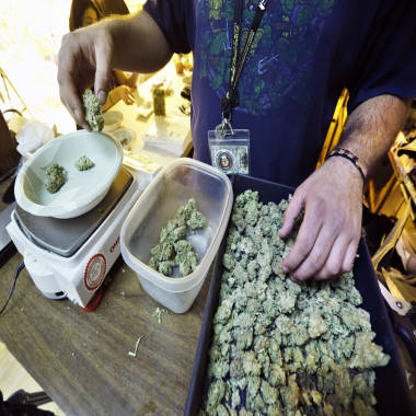 Colorado's legal recreational pot industry off to smoking start