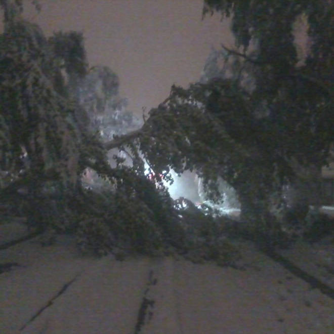 Early wintry blast brings snow and wind to central US, could spawn tornadoes
