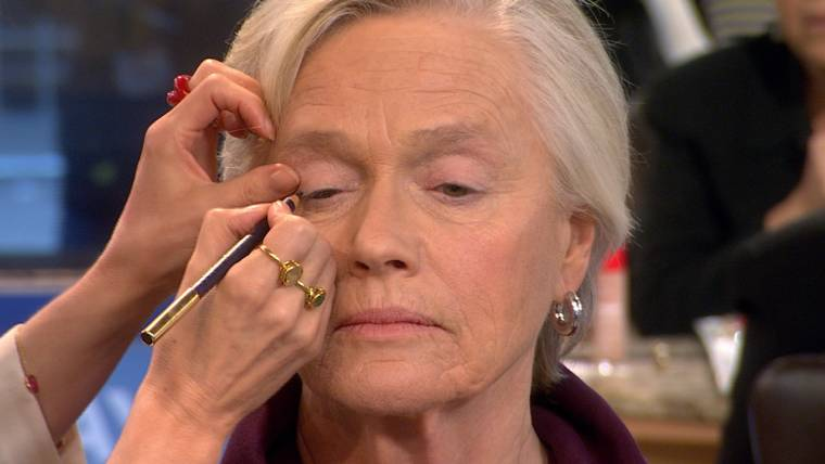 Glam-mas: Makeup tutorial for seniors goes viral