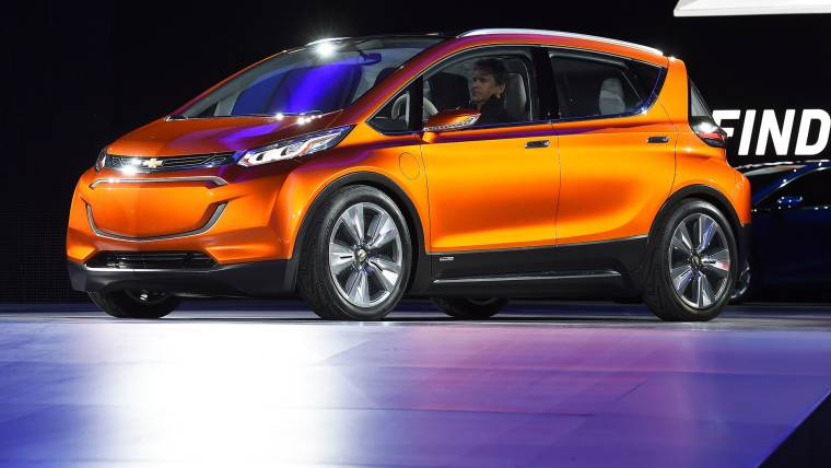 GM Says It Will Begin Building Long-Range Bolt Electric Vehicle