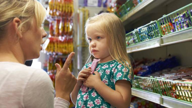 'This is motherhood': Single mom shares honest take after kids' grocery store breakdown