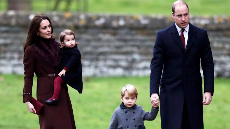 A Christmas Princess.Prince George Princess Charlotte Kate William Spread