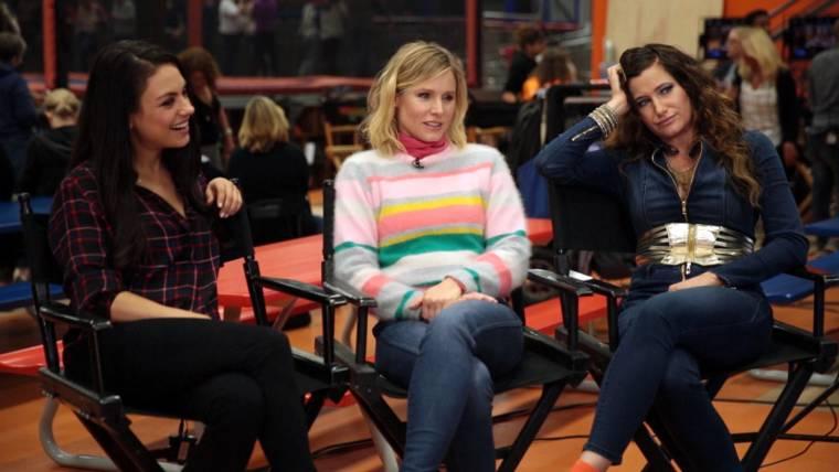 Bad Moms Christmas Kids.Kristen Bell Talks About Bad Moms 2 And Motherhood