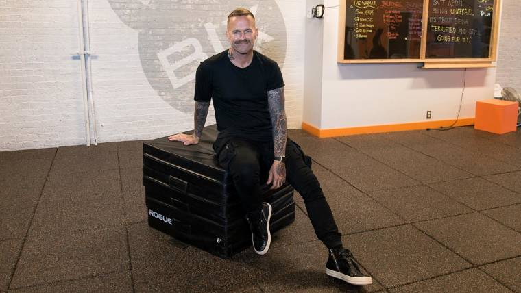 Bob Harper's 3 exercises for a quick morning workout