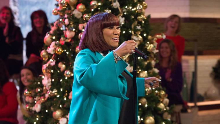 Patti Labelle This Christmas.Patti Labelle Sings Don T Save It All For Christmas Day On