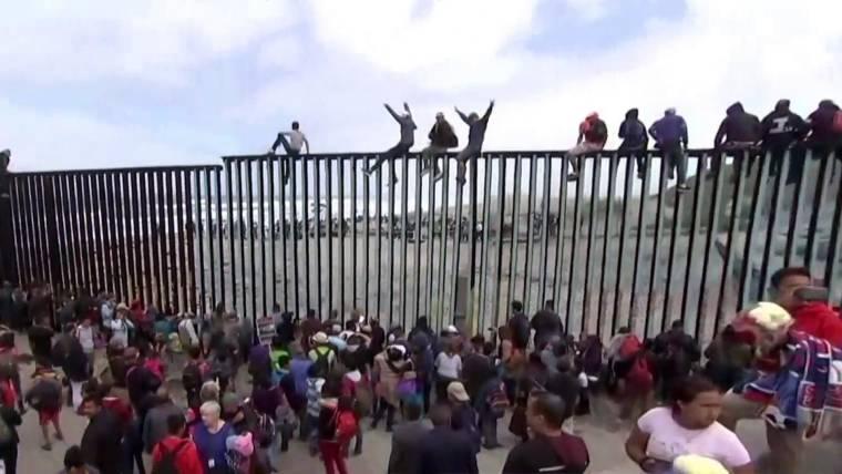 Znalezione obrazy dla zapytania immigration border us