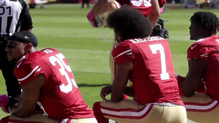 546fdf6a Civil rights groups protest at NFL HQ for players' right to kneel