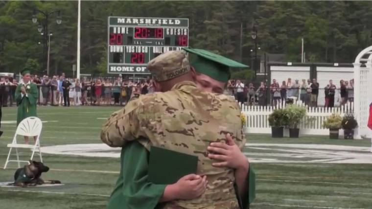 26243ac095f7c Grab the tissues! Military father surprises son at graduation