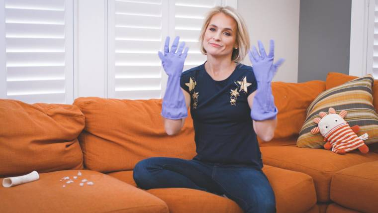 How to deep clean your living room quickly