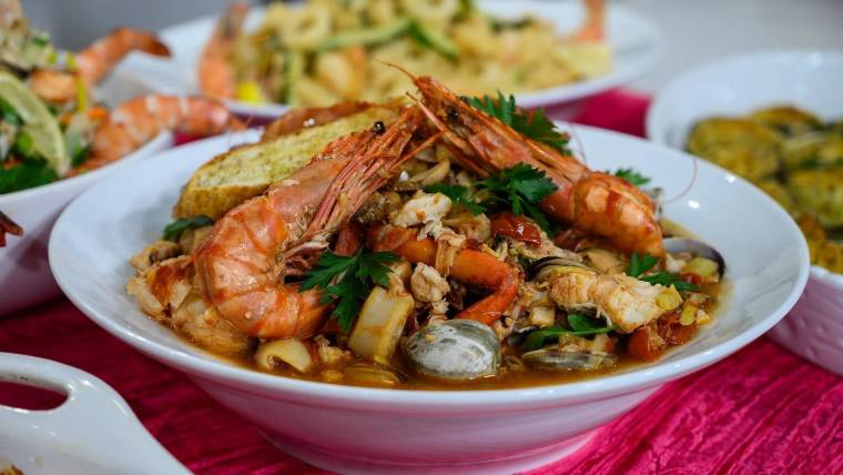 Seven Fishes Christmas Eve.Feast Of The Seven Fishes Recipes The Scottos Clams Oreganata And More