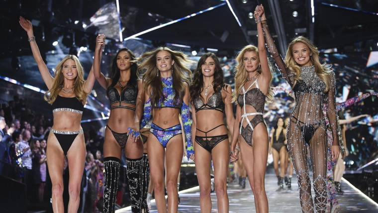 0e5f294ac01 Victoria's Secret 2019 swimwear is back but sizes, prices are an issue
