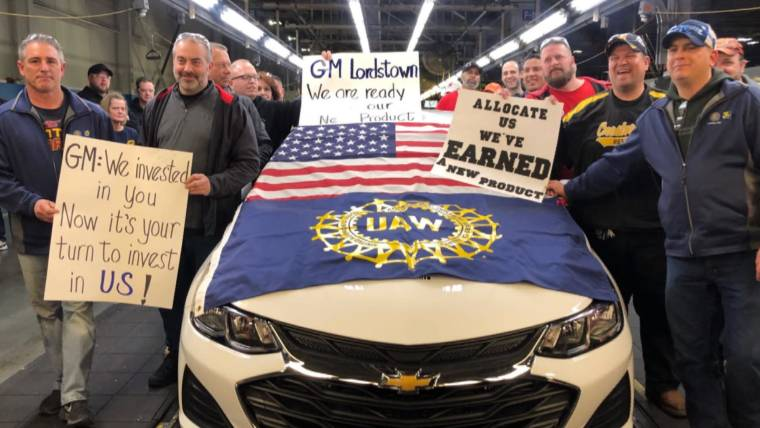 Gut Wrenching Day As Production Ends At Ohio Gm Assembly Plant