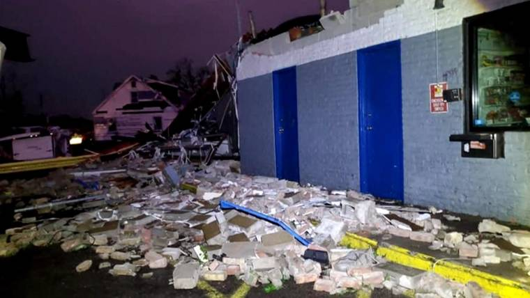 At least 1 dead, 12 injured from storms, tornadoes in western Ohio on