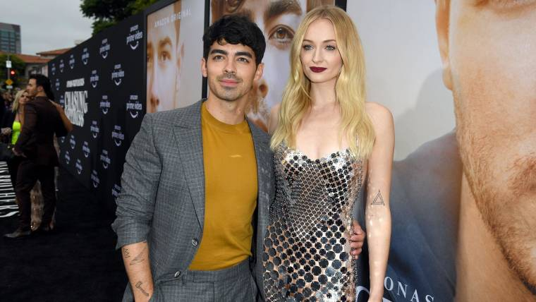 Sophie Turner Wedding.Joe Jonas And Sophie Turner Share 1st Photo Of French Wedding