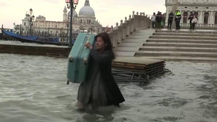 nn_emc_venice_floods_191115.760;428;7;70