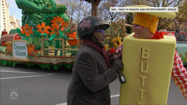 Al Roker vs. guy in butter suit is making everyone's Thanksgiving