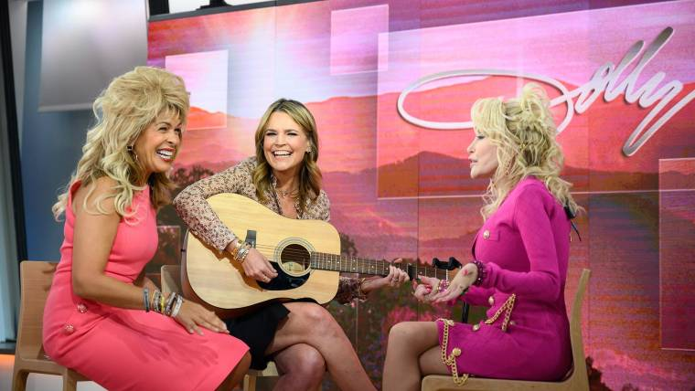 Hoda and Savannah try to sing 'Jolene' with Dolly Parton