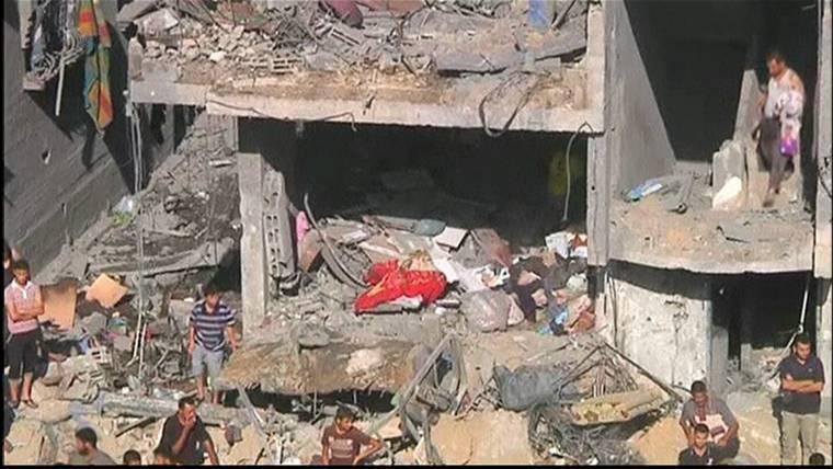 Israeli Airstrike Destroys Residential Tower Block in Gaza