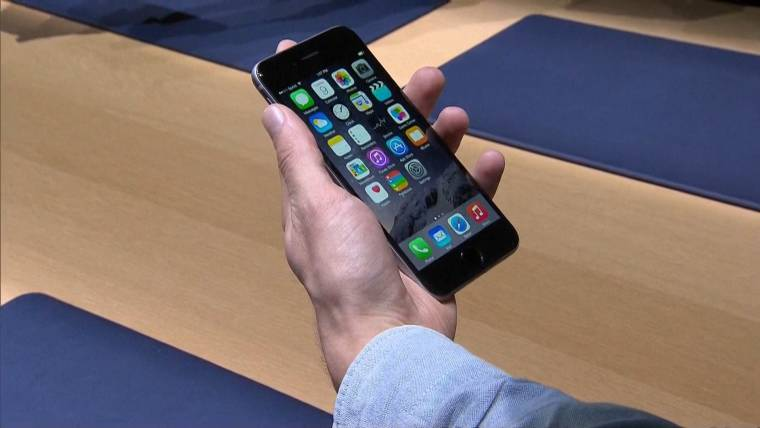 Not Feeling the iPhone 6? Samsung Galaxy Alpha Out Now