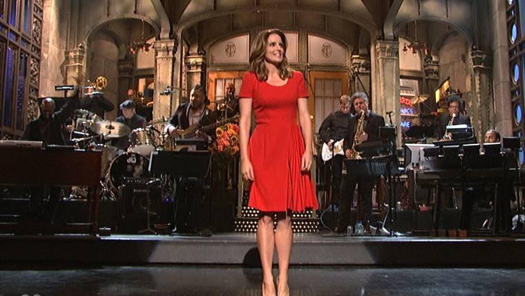 'Breaking Bad' star Aaron Paul surprises on 'Saturday Night Live' premiere