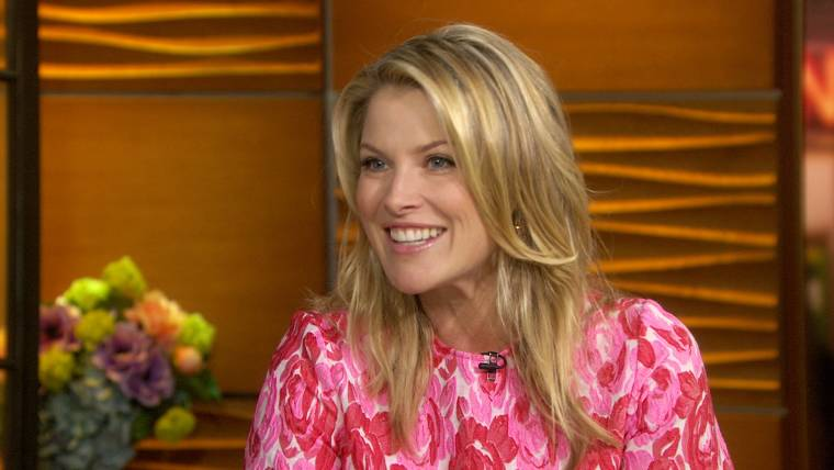 Actress Ali Larter shares her love of cooking with a blueberry crumble recipe
