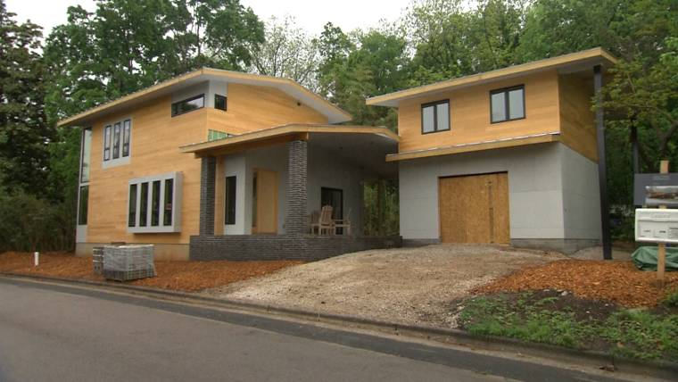 Modern Style Home Causes Neighborhood Controversy